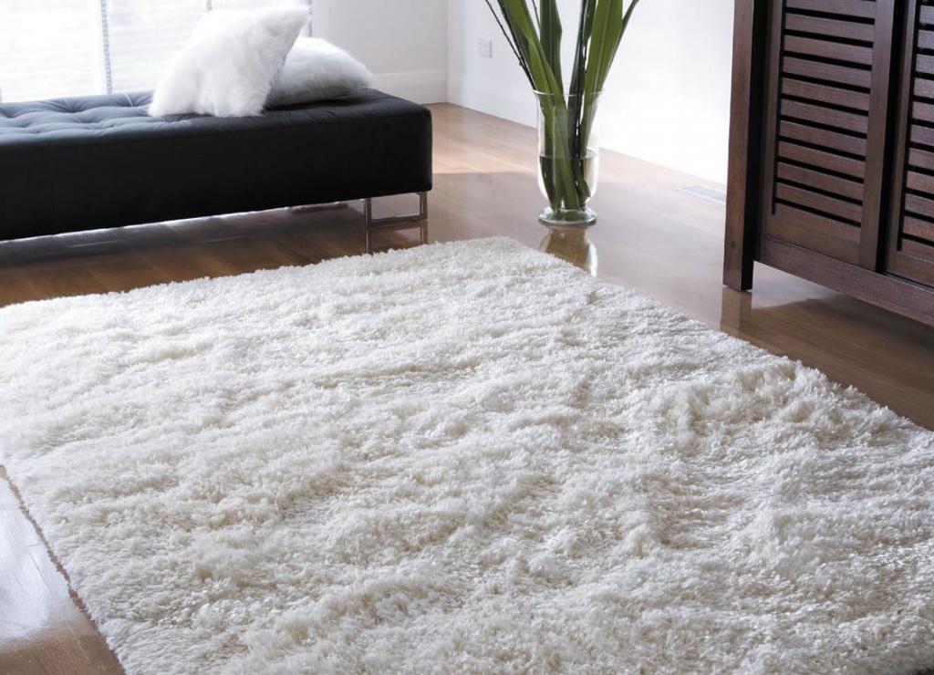 Почему выбирают синтетическую ковровую дорожку?